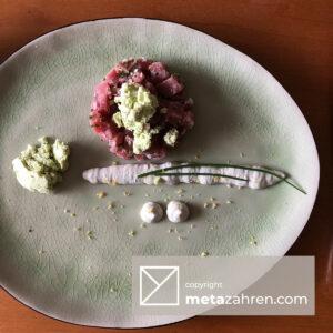 Tartaar van tonijn met een vleugje mierikswortel en avocado